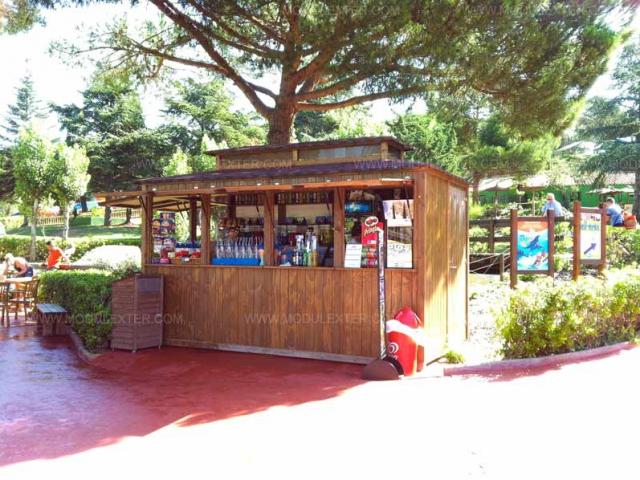 Chiringuito de madera Ibiza Marineland vista 3