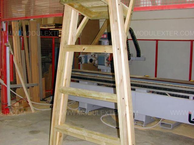 Silla de vigilancia de madera Vista 2